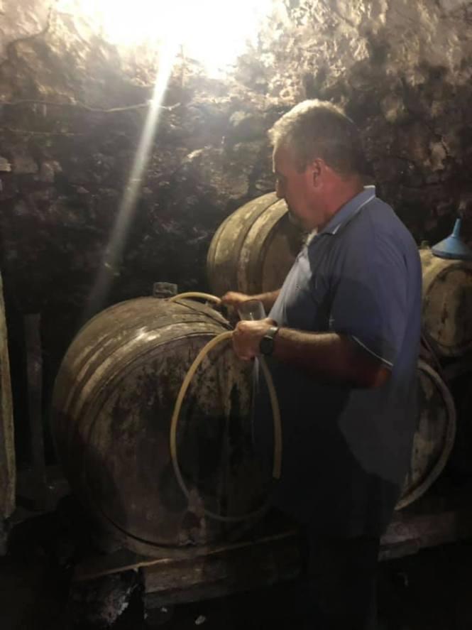 Serbisk vinbonde i aktion - Balkan på vrangen
