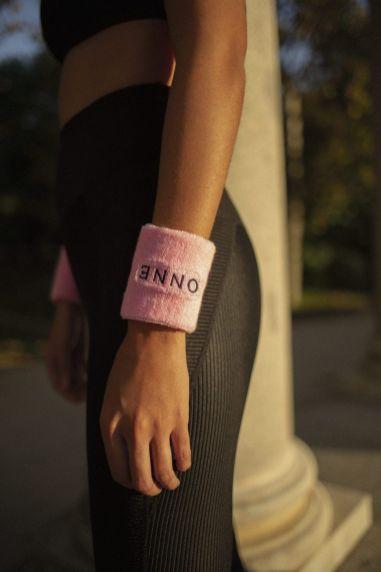 Fundido a rosa. La moda lucha contra el cáncer - ÔNNE - Gastronomía y Moda