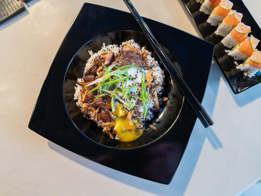 Blue Marlin - sukiyaki with tamago broken