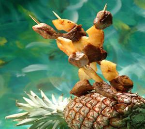 Frigărui de porc cu ananas - mod de prezentare