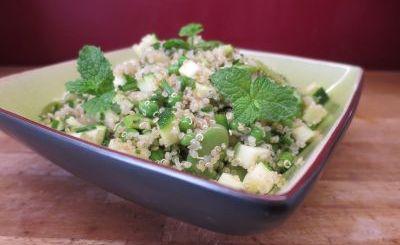 Salade de quinoa aux fèves et aux petits pois