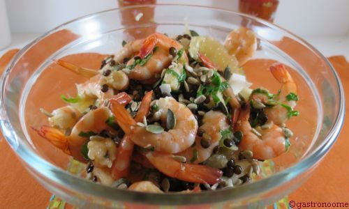 Buddha bowl de lentilles vertes aux crevettes