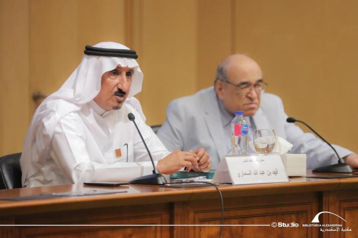 محاضرة الأمين العام لمؤسسة الملك عبدالعزيز وجانب من الجولة بالمكتبة