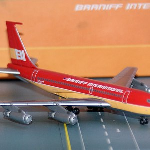 Jet-X Braniff International Boeing 720, (RED) 1:400 Scale Model