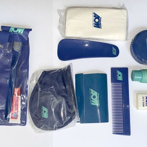 AOM French Airlines Amenities Kit
