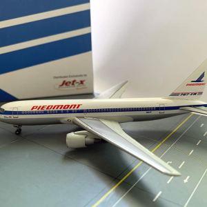 Piedmont Boeing 767-200ER 1:400 Scale Model
