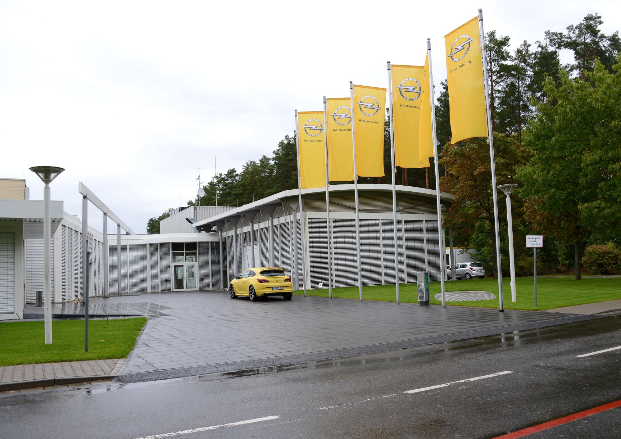 Visit and driving-session at the Opel Testcenter Dudenhofen