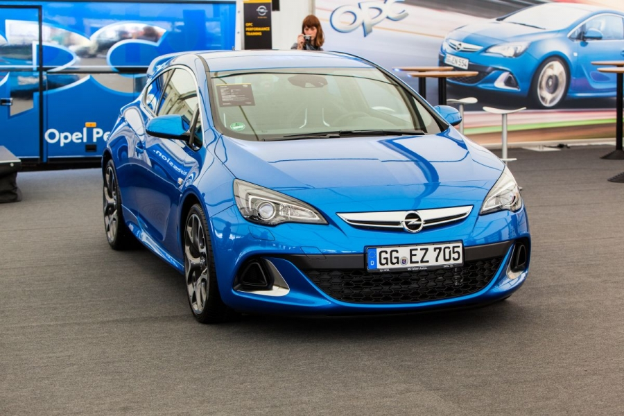 Opel Meet-up 2012 in Oschersleben