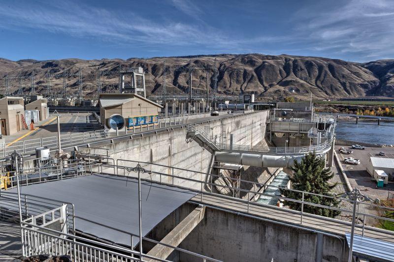 Rocky Reach Dam viem from visitor center terrace
