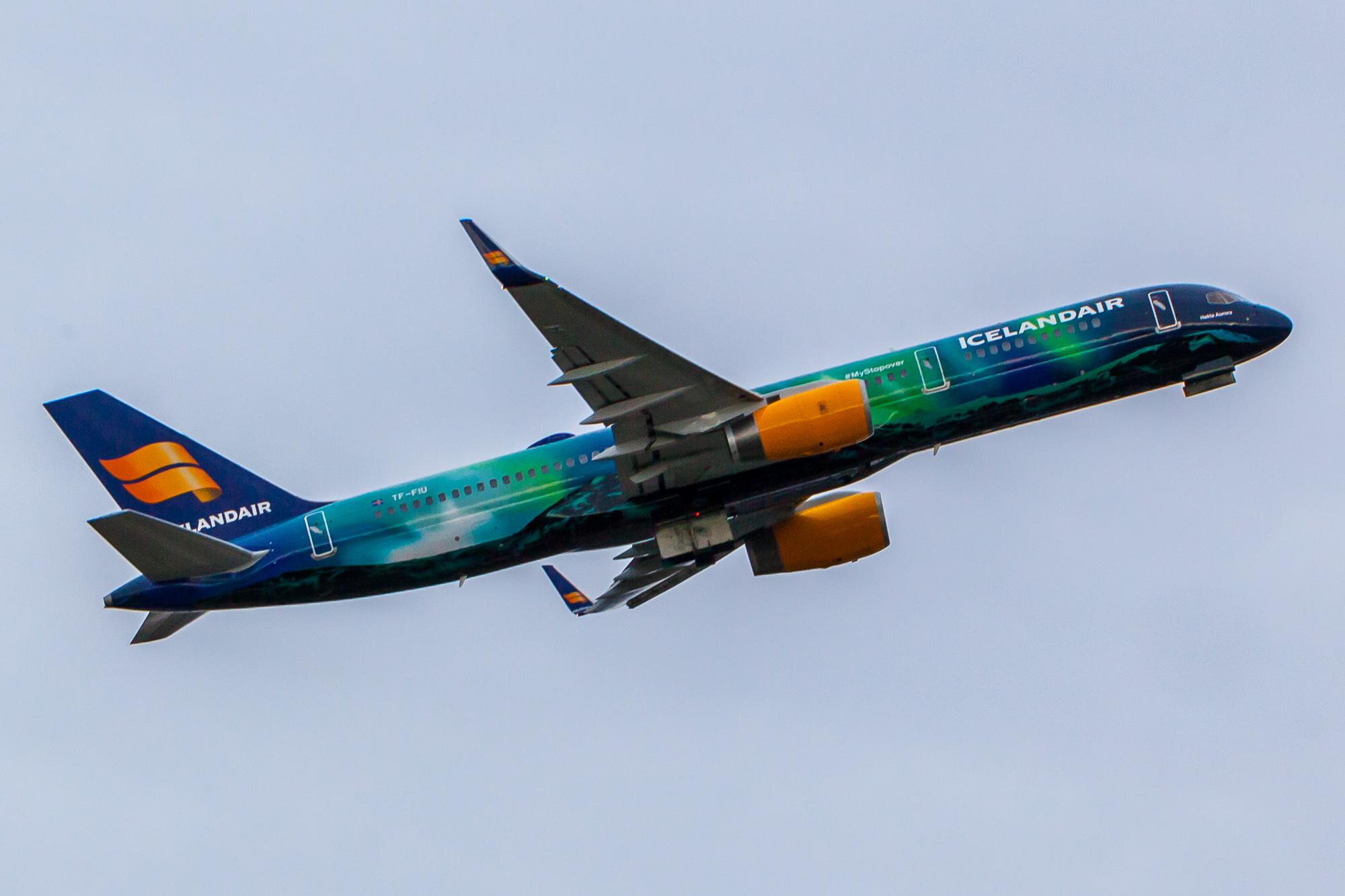 Icelandair – Hekla Aurora in Seattle