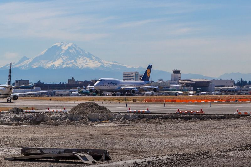 A Lufthansa Boeing 747 landed at Sea-Tac.