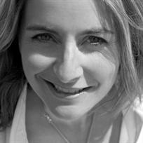 Emma Kennedy, author photograph