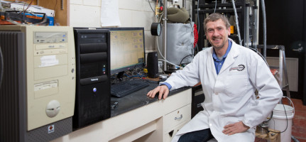 Jeffrey Priest, associate professor at the Schulich School of Engineering, will use the funding to help investigate the risk involved in removing gas hydrates from Arctic sediment through mining. Photo by Riley Brandt, University of Calgary
