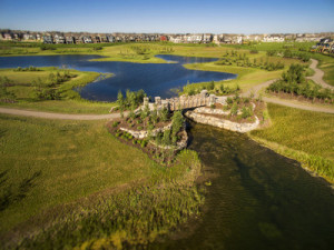 Mahogany, Canada's Community of the Year, features wetlands, playgrounds, pathways, and Calgary's largest lake. (CNW Group/Hopewell Residential)