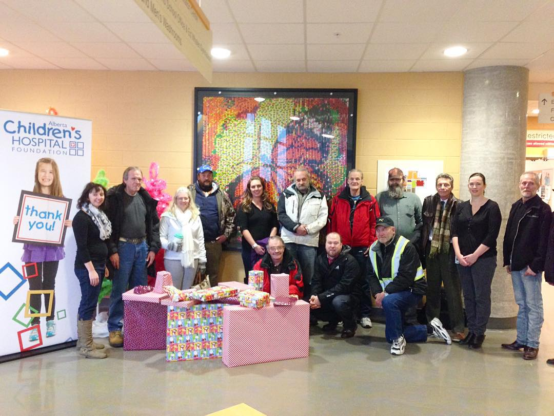 Drop-in Centre donates to hospital