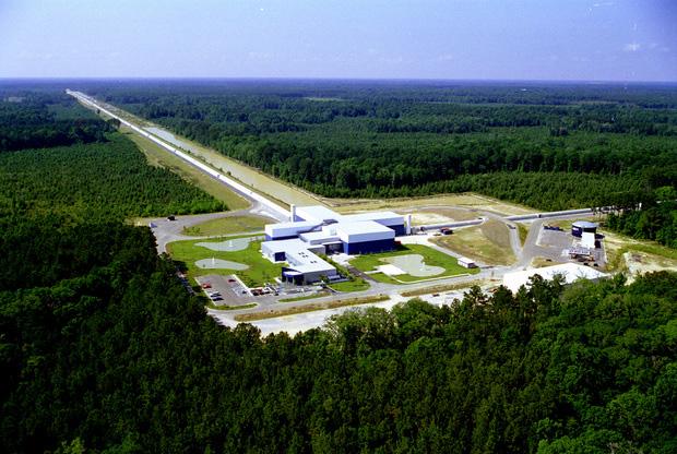 An aerial view of the LIGO Livingston Observatory (Credit: Caltech/MIT/LIGO Laboratory)