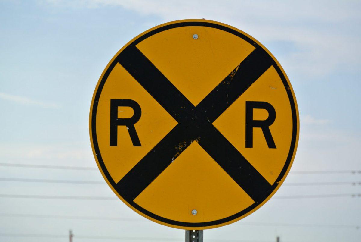 street-sign-railroad-crossing-1342524170F8W