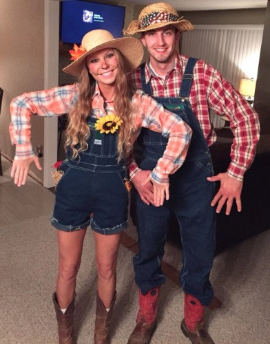 Couples Halloween Costumes: Scarecrows