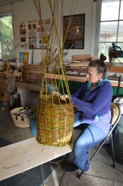 Willow basketry Amishaweb