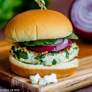 Greek Spinach Turkey Burgers - Turkey burger recipe with fresh spinach and feta cheese for a Greek style burger. Delicious, healthy and perfect for grilling in summer.