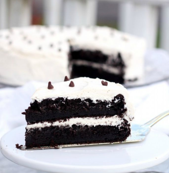 Devil S Food Cake With Buttercream Icing