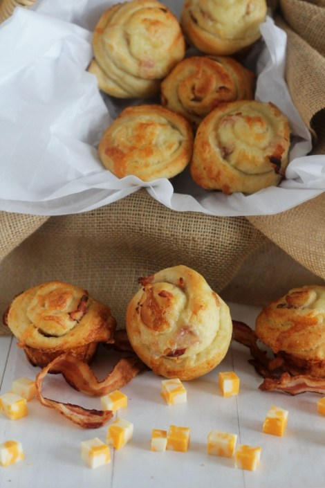 Bacon Cheddar buns