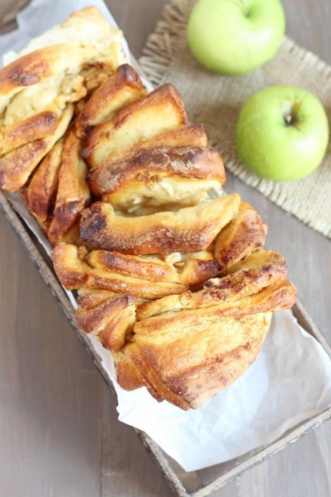 Apple Cinnamon Pull Apart Bread | Carmel Moments