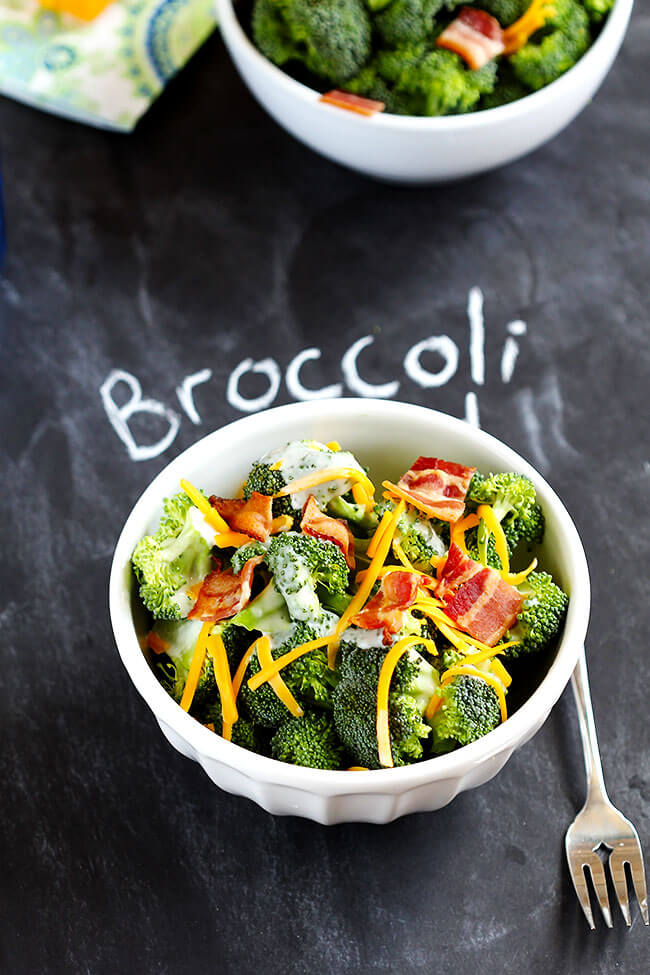 Easy picnic broccoli bacon salad recipe comes together quickly. Only 6 ingredients, ready to serve in minutes. Family favorite for picnic and dinner tables everywhere!