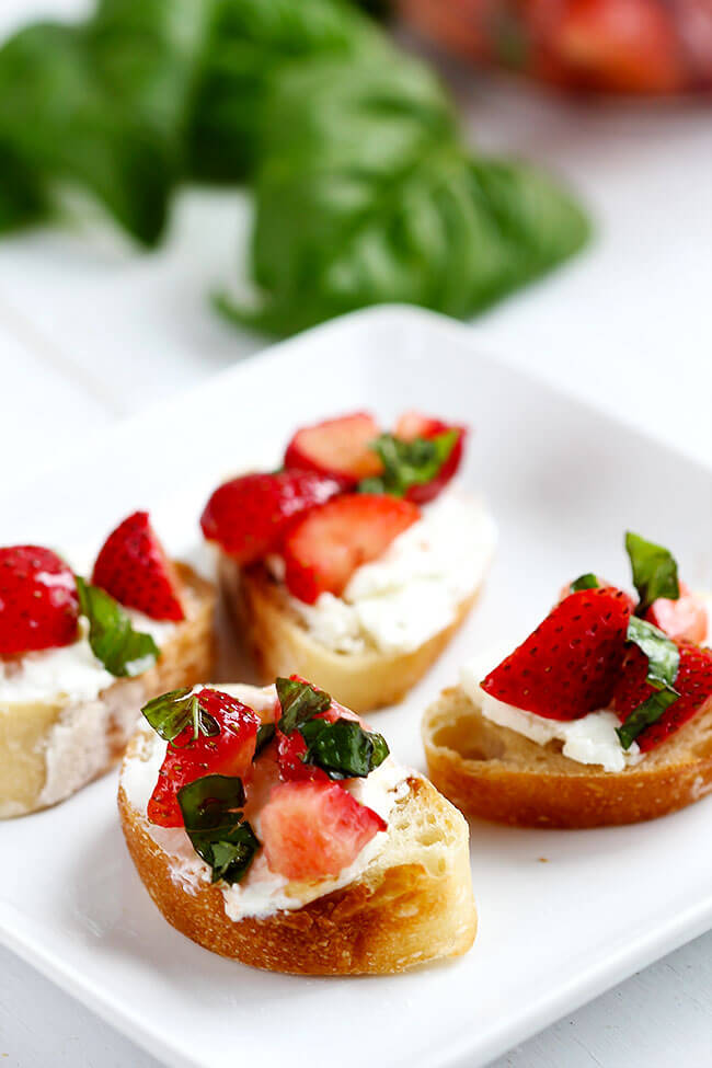Strawberry Goat Cheese Bruschetta - Simple flavorful bruschetta made with simple fresh ingredients like goat cheese and strawberries. Table ready appetizer in 20 minutes.