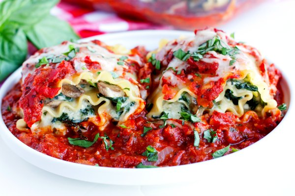 18 Lasagna-Roll-Ups-with-Mushrooms-and-Spinach-Recipe