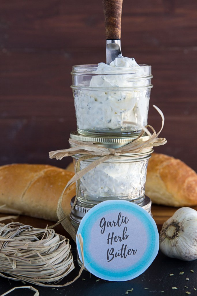 Homemade Gifts from the Kitchen - Garlic Herb Butter