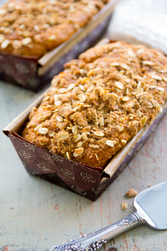 eggnog-pumpkin-bread-with-cinnamon-streusel-017