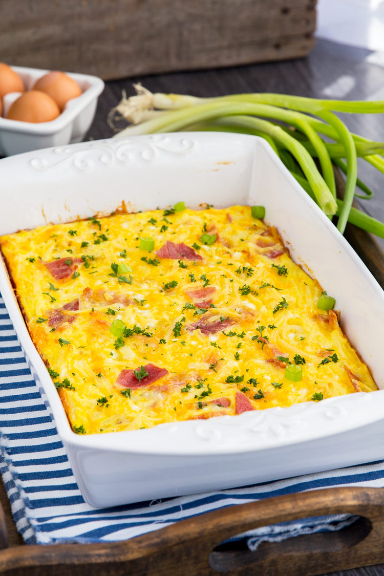 Cheesy Amish Breakfast Casserole   Breakfast Bake Recipe With Bacon, Hash  Browns, Cheese,