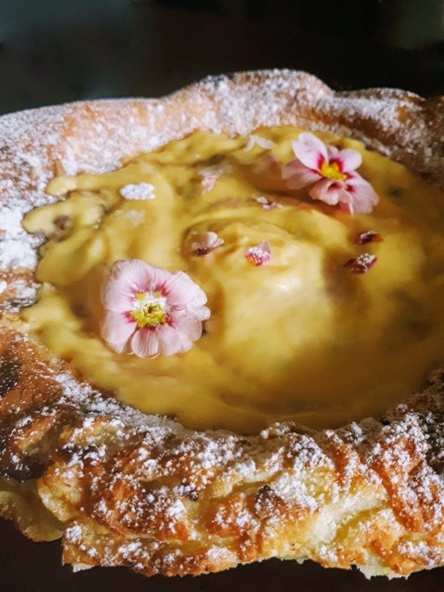 Dutch Puff Pancake with Lemon Curd & Primrose Cream