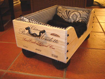 http://wooftalkkw.wordpress.com/2012/07/06/cool-creative-way-to-design-dog-beds/