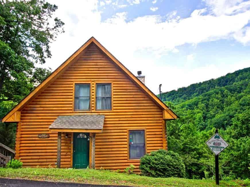 4 Reasons You Should Book A 1 Bedroom Cabin In Gatlinburg