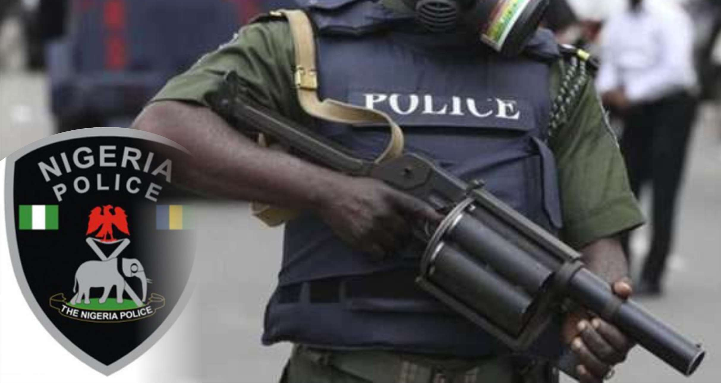 BREAKING: Lagos Policemen block Ojuelegba road, point guns at motorists