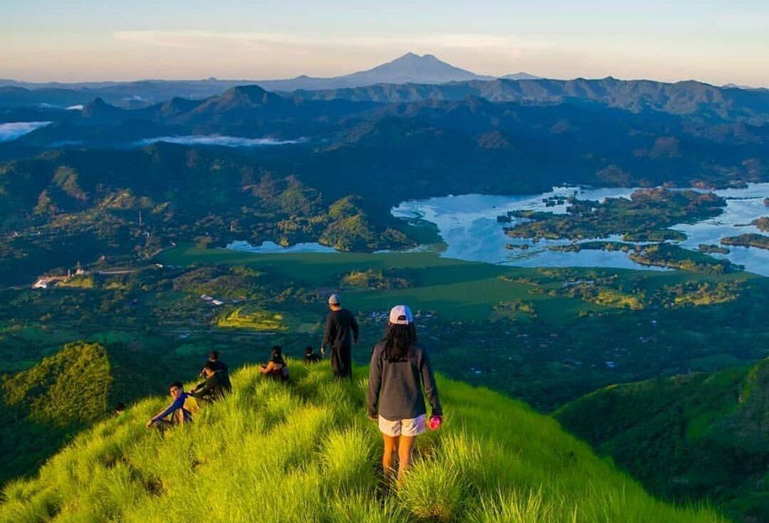 Cancelan desafío de enduro en cerro Eramón tras denuncias por daño ambiental
