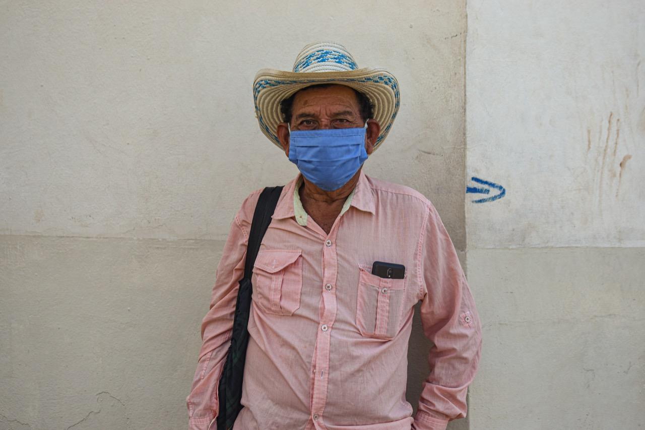 """Eustaquio Alberto Cañas García, 65 años.  Insiste en que nunca aprobaron la venta de las tierras como cooperativa: """"Aquí en Escuintla aparece toda la documentación legal. Los que tienen esas tierras no tienen nada legal"""". Foto/Emerson Flores"""