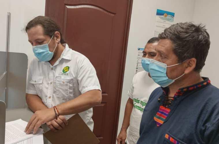 Líderes comunitarios presentaron, este 25 de mayo, un escrito a la Cámara Ambiental para que emita medidas cautelares para proteger el río Sensunapán.