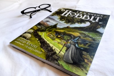 Resenha da graphic novel de O Hobbit publicada no blog GatoQueFlutua