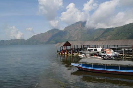 Lake Batur ... The entire Batur area is very scenic
