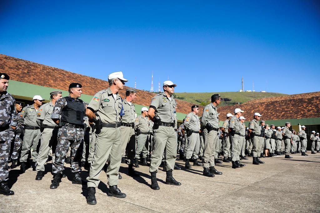 Resultado de imagem para brigada militar aposentados