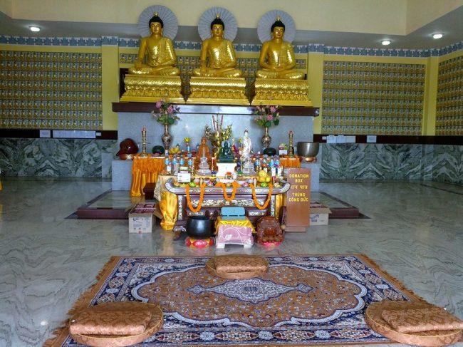 LINH SON Temple – Tri-Buddha_8825057714_l