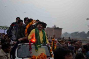 प्रथम आगमन पर रोड शो करते दर्जा राज्यमंत्री आबिद रजा