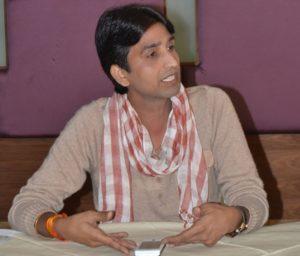 कवि से आम आदमी पार्टी के नेता बने कुम्सार विश्वास