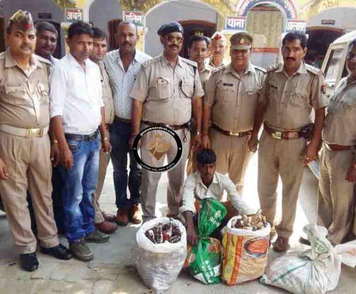 भाजपा विधायक के गाँव में खुलेआम चल रही शराब की अवैध दुकान पकड़ी