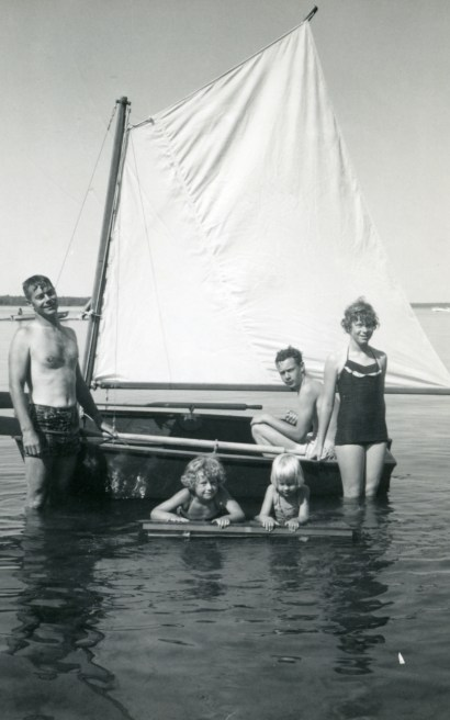 Dad, Bruce, Lynne, Mary and Julie