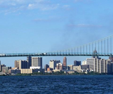 Crossing Lake Erie – The Big Bash