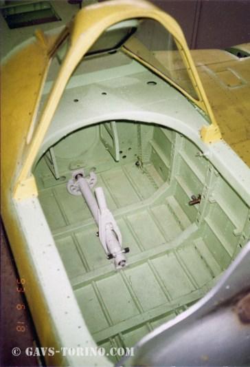 31-cabina pilota prima dell'allestimento